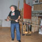 Аннамухамед Зарипов в своей мастерской