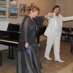 Галина Куничкина (аккомпаниатор), Евгений Белов (баритон), Веоа Белова (сопрано)