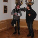 искусствовед Александр Панов (слева)