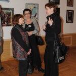скульптор Ольга Победова (слева), художник Маша Гусева  ( в центре), искусствововед Ольга Петрова  (справа)