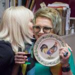 Выставка расписных тарелок от Оксаны Лычагиной и Флеры Даминовой