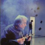 Александр Калягин в роли всемогущего Просперо. Сцена из спектакля.
